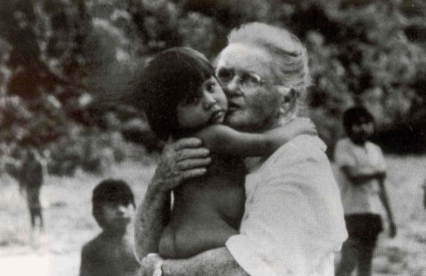 The world has lost a beautiful gem this morning- Elizabeth Elliott (1926-2015)